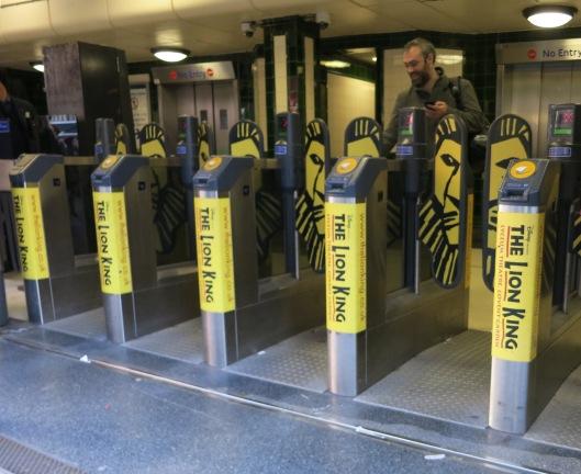 Covent Gardenin metroaseman ulostulo.