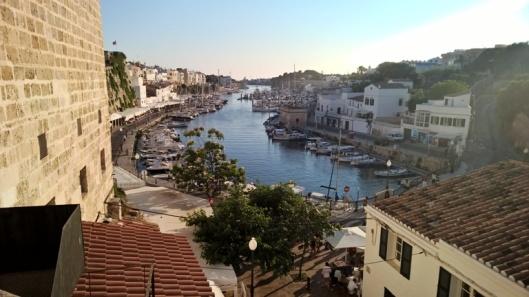 Ciutadellan satama Carrer de sa Muradetalta kuvattuna.