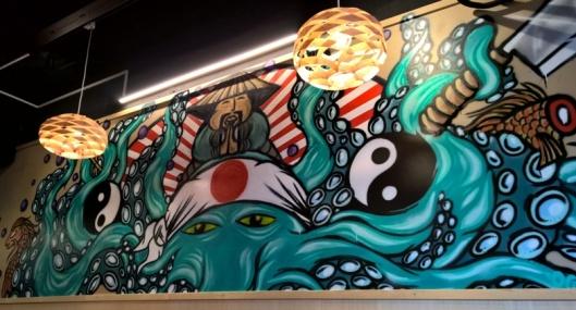 Seinämaalaus ja hillittömän kivat lamput.