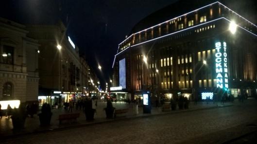 Ja näin sitä palaa turisti jälleen Stockmannille. Tai ainakin eteen.