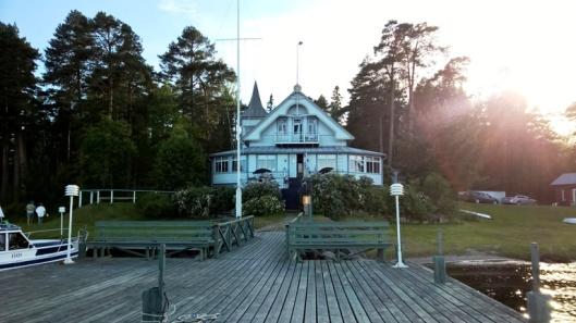 Kesäravintola Pavis löytyy Kristiinankaupungin Korkeasaaresta. Ihana iltafiilis.