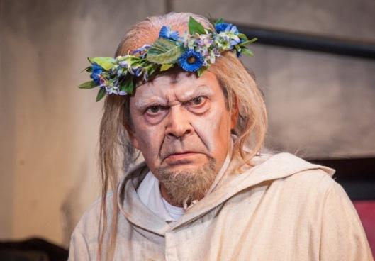 Kuva: Tampereen Komediateatteri / Pukija.